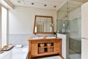 Trucchi per pulire la doccia